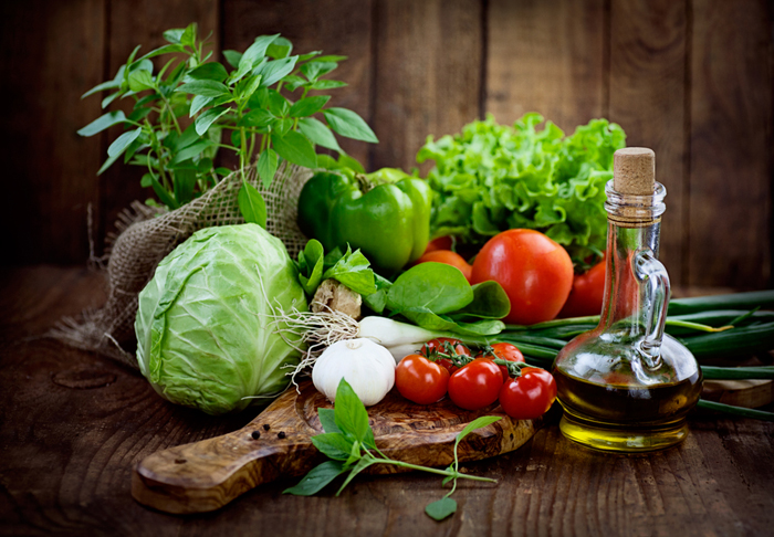 saglikli-olmak-icin-beslenmenizde-yer-alacak-besinler-1